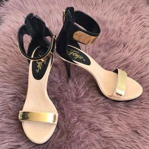 👠Sexy Fergie Platform Stilettos size 9 nwot